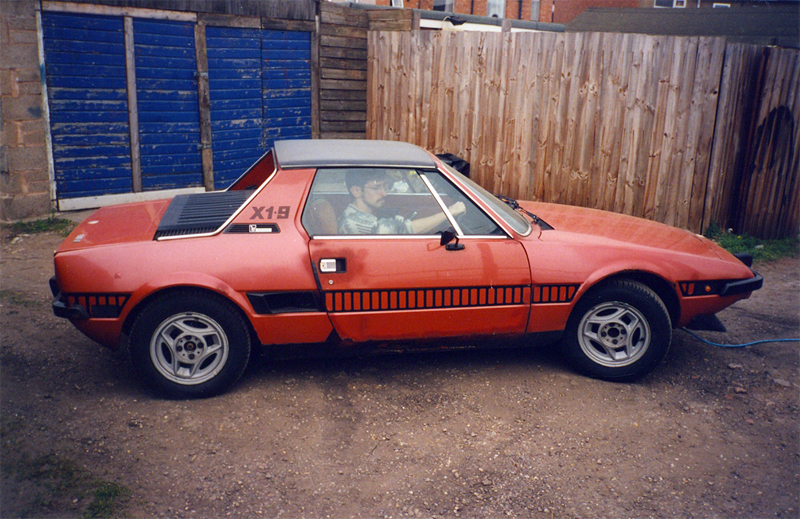 http://www.sporting-reliants.com/images/Daves%20Car/FiatX19a.jpg